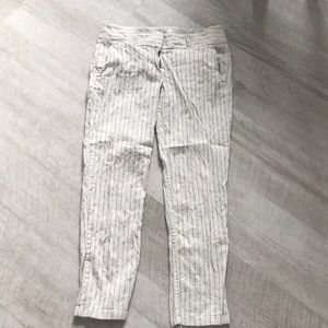 Loft linen like cropped pin stripe pants! Euc